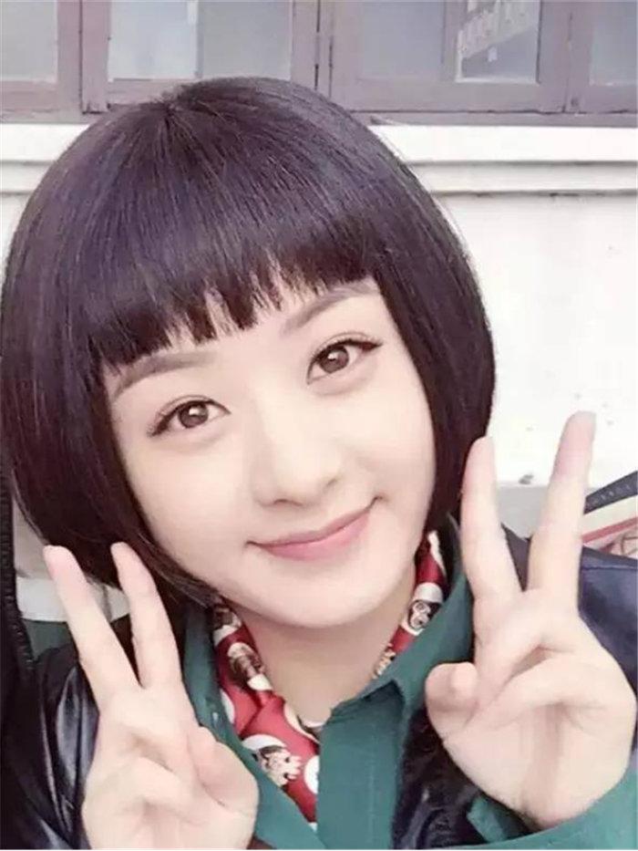 赵丽颖在电影《我们的十年》中,清爽帅气的短发造型.图片