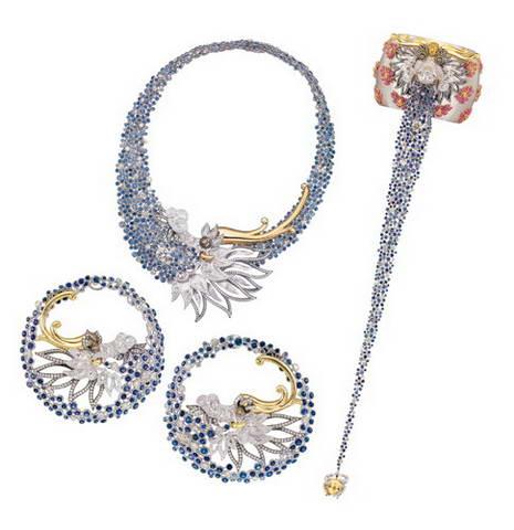 知名珠宝设计师万宝宝小姐此次特别为周大福